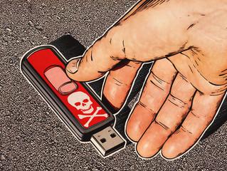 Truffatori infilano chiavette USB nelle cassette postali