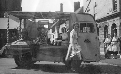 Cotteswold Dairy starts using electric milk floats 1947