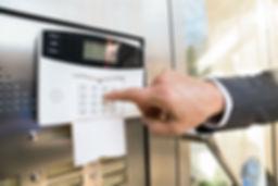 Setting-Your-House-Alarm-System-Jacksonv