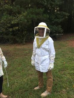 Cecilia takes a bee tour