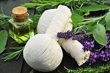 Kräuter Stempel-Massage
