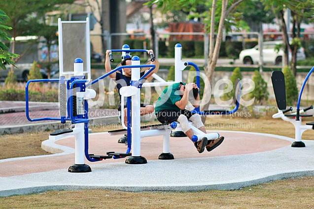 เครื่องออกกำลังกายกลางแจ้ง-จัดตั้งที่สวนเฉลิมพระเกียรติสมเด็จย่า-funnydee-32