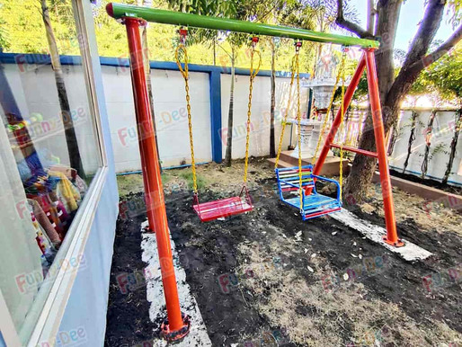 ผลงานการติดตั้งอุปกรณ์สนามเด็กเล่น ติดตั้งที่ จ.ชลบุรี ภายในบริเวณบ้านของลูกค้า