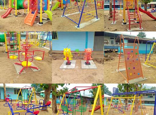 ผลงานการผลิตอุปกรณ์สนามเด็กเล่น ติดตั้งที่รร.บ้านหนองบัว อ.ท่าสองยาง จ.ตาก