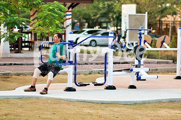 เครื่องออกกำลังกายกลางแจ้ง-จัดตั้งที่สวนเฉลิมพระเกียรติสมเด็จย่า-funnydee-28