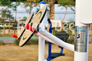 เครื่องออกกำลังกายกลางแจ้ง-จัดตั้งที่สวนเฉลิมพระเกียรติสมเด็จย่า-funnydee-08