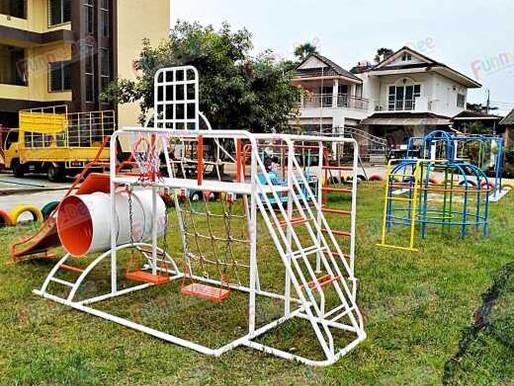 ผลงานการติดตั้งอุปกรณ์สนามเด็กเล่น ติดตั้งที่ รร.เตรียมศึกษาวิทยา ต.รูสะมิแล อ.เมือง จ.ปัตตานี