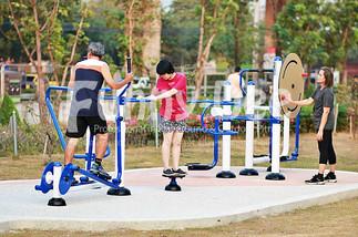 เครื่องออกกำลังกายกลางแจ้ง-จัดตั้งที่สวนเฉลิมพระเกียรติสมเด็จย่า-funnydee-35
