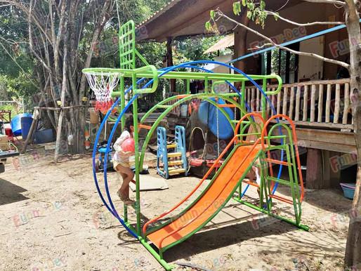 ผลงานการติดตั้งอุปกรณ์สนามเด็กเล่น ติดตั้งที่ สนามชนไก่เก้าทัพ ต.วังด้ง อ.เมือง จ.กาญจนบุรี