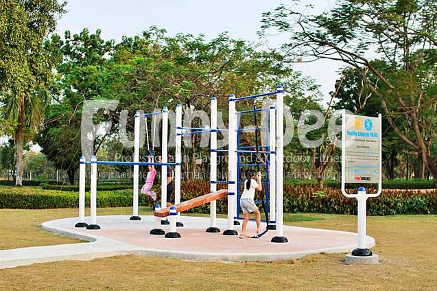 เครื่องออกกำลังกายกลางแจ้ง-จัดตั้งที่สวนเฉลิมพระเกียรติสมเด็จย่า-funnydee-02
