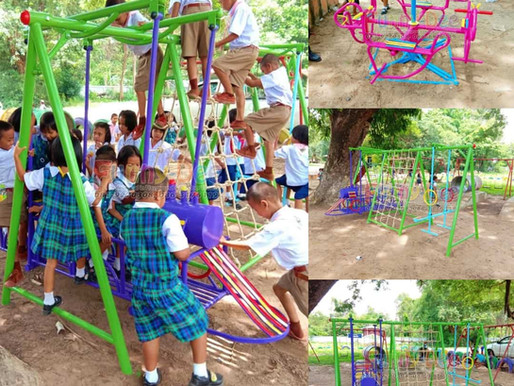 ผลงานการผลิตอุปกรณ์สนามเด็กเล่น ติดตั้งที่รร.จานเตยวิทยาประชาสรรค์ จ.ร้อยเอ็ด