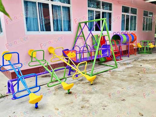ผลงานการติดตั้งอุปกรณ์สนามเด็กเล่น ติดตั้งที่ อ.ขุขันธ์ จ.ศรีสะเกษ