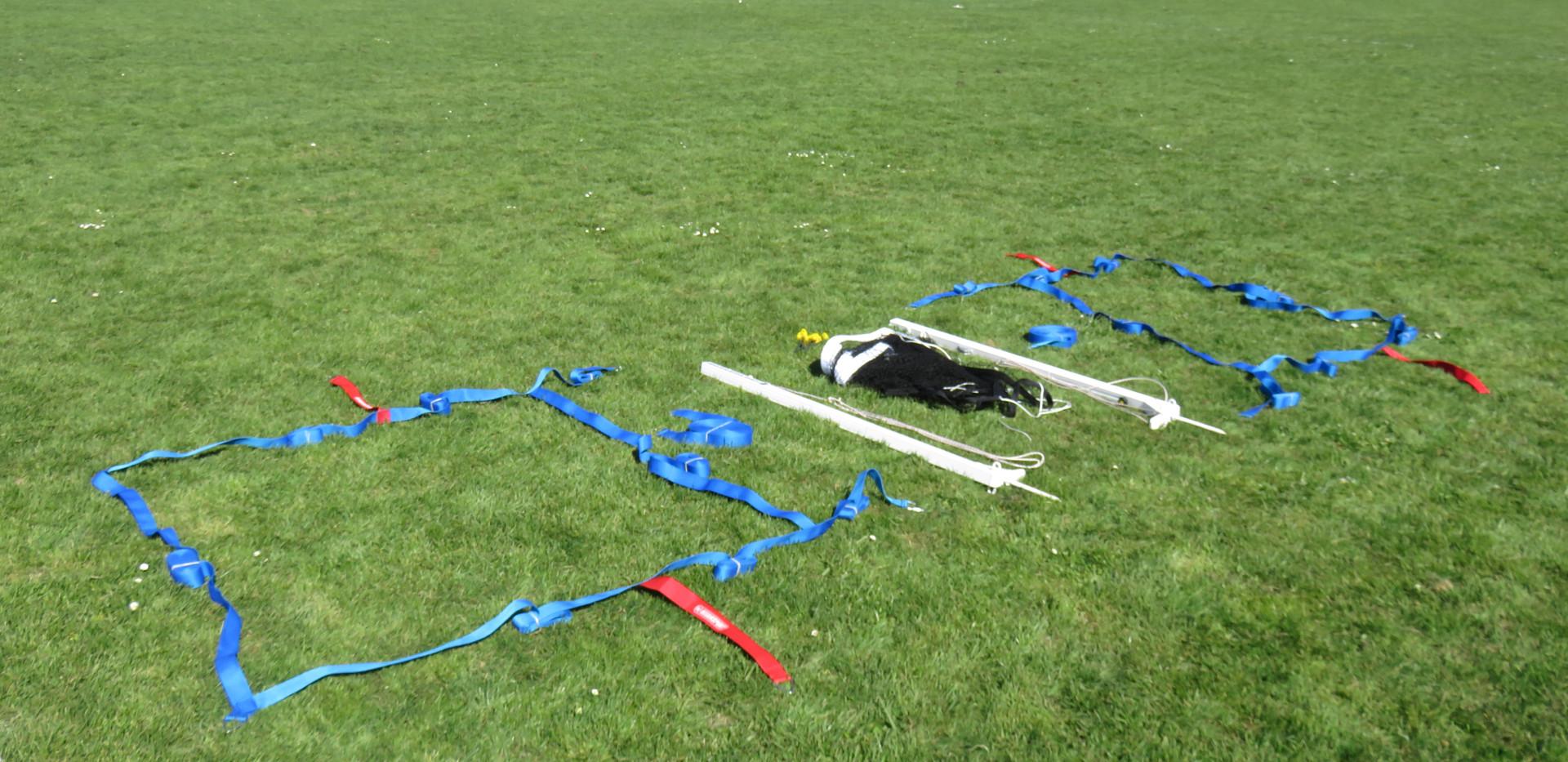 kit de badminton sur gazon.JPG