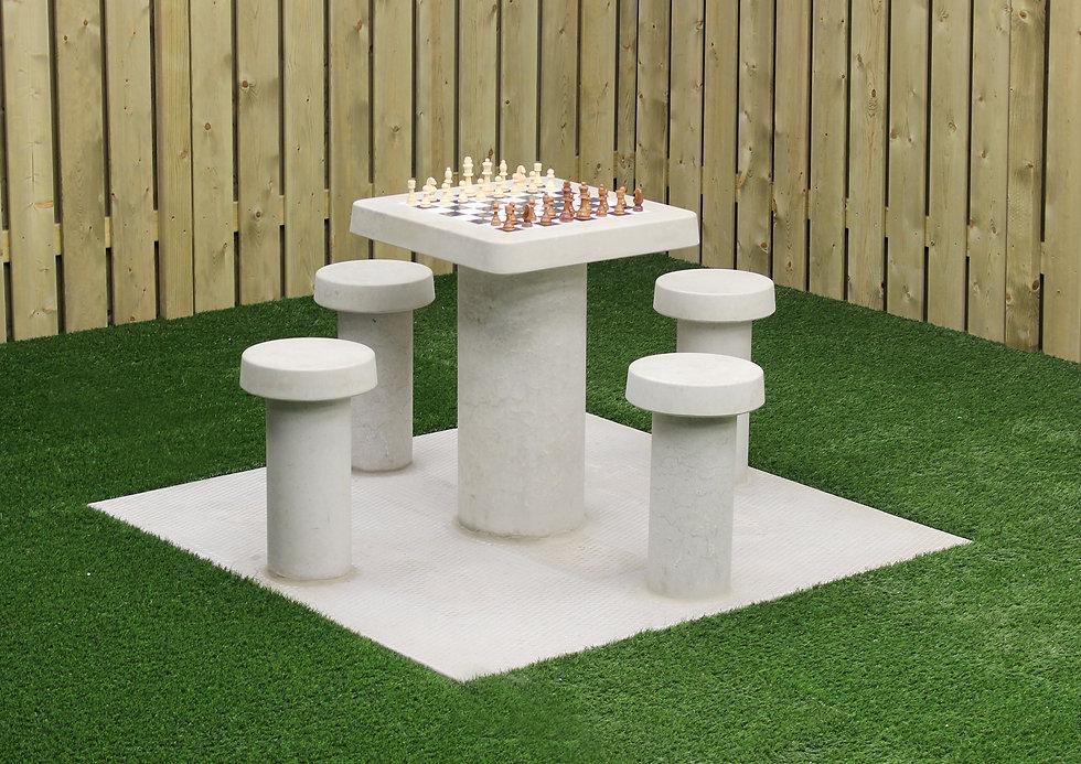table-dechecs-en-beton-naturel-4-personn