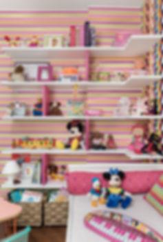 Quarto da Bia brinquedos 2.jpg