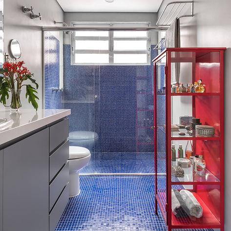 Banheiro Azul Vermelho - 2.jpg