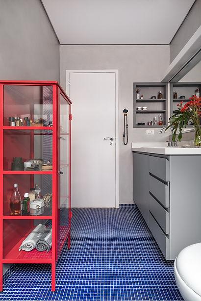 Banheiro Azul Vermelho 4.jpg