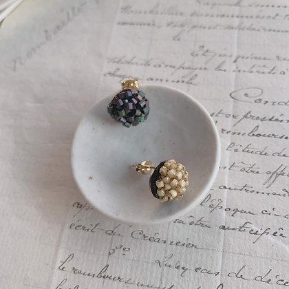 """""""Caviar"""" Earrings (petit) / single"""