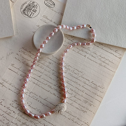 Spangle pearl Necklace / rose