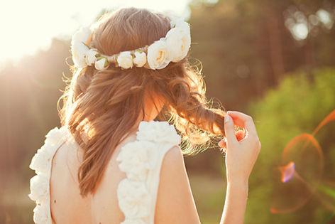 新娘與花的頭髮