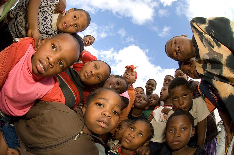 ילדים בבית יתומים   דרום אפריקה