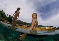 ילדי דייגים בקנו | פפואה גינאה החדשה