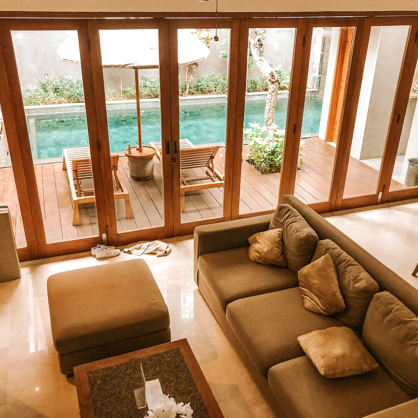 Koenokeoni Villa Seminyak Bali villa living room