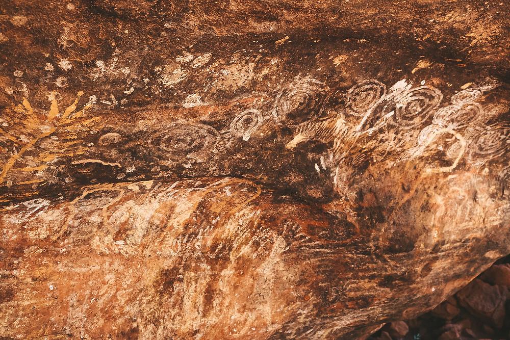 Uluru walk aboriginal art