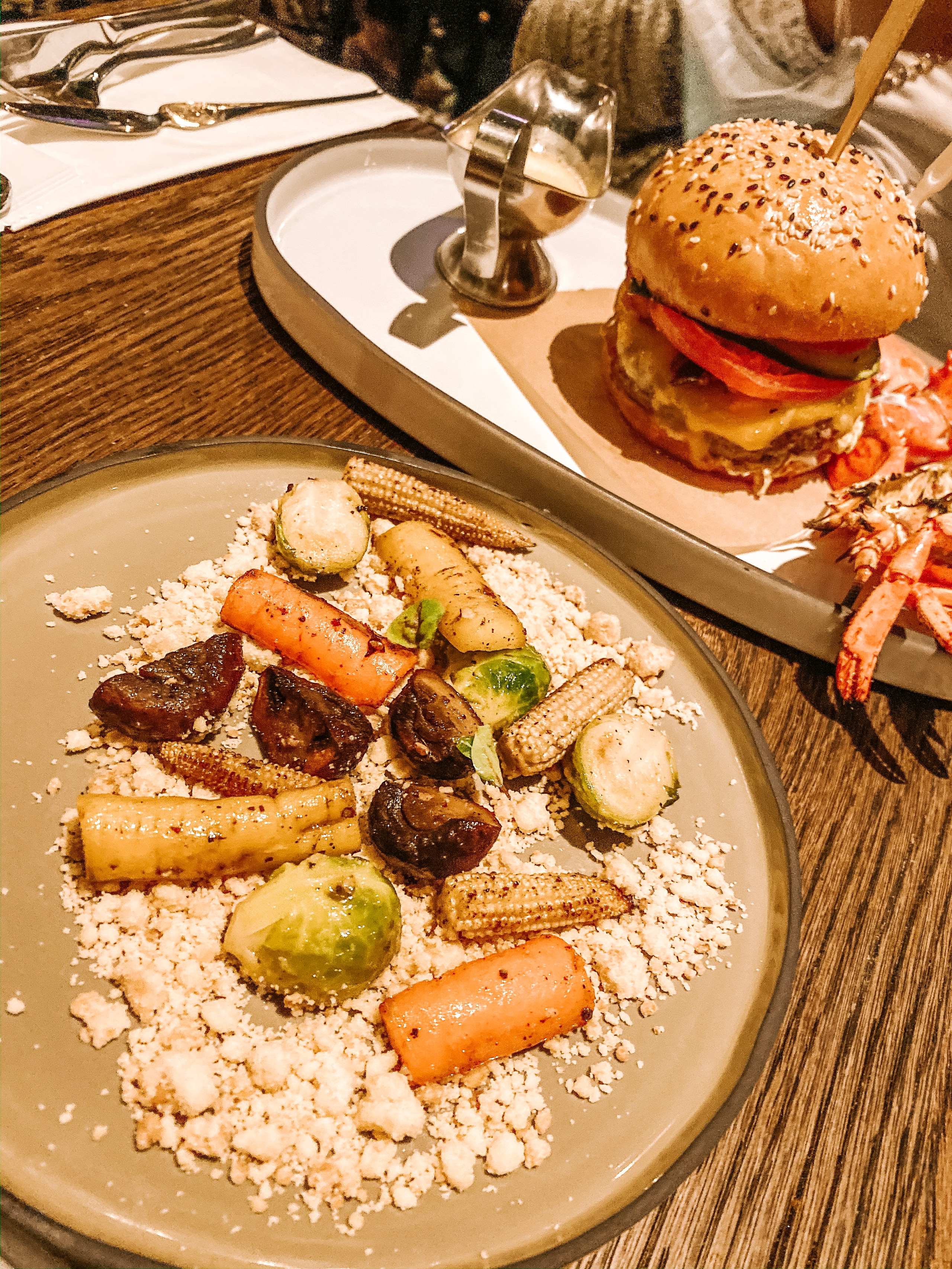 Burger and Lobster Raffles hotel singapore main meal