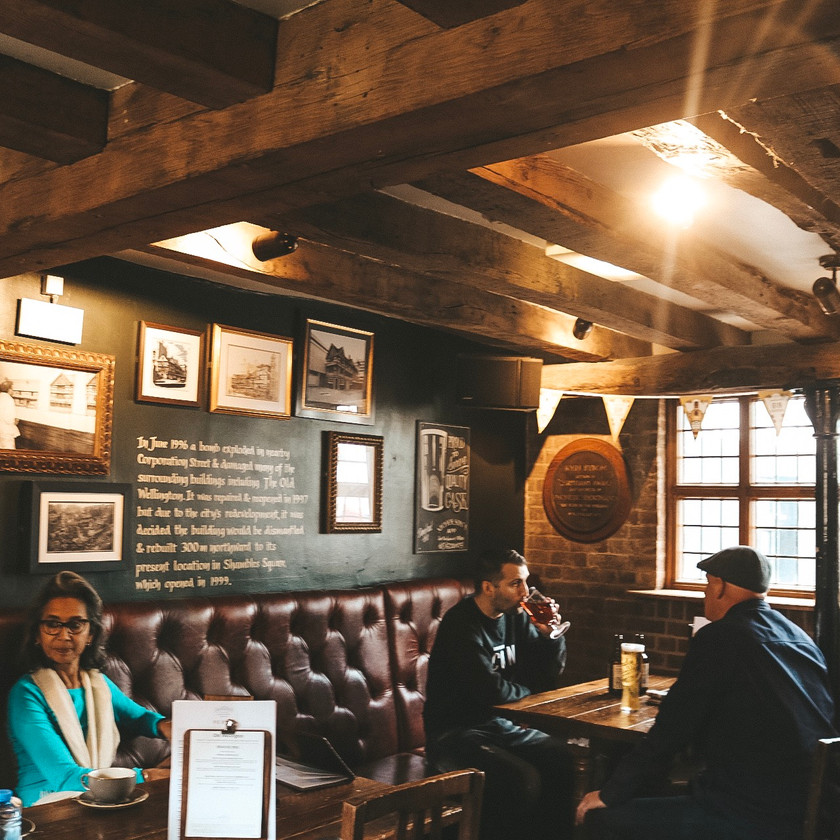 Old wellington inn pub manchester interior