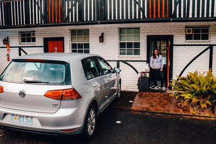 Fox and Hound Inn Port Arthur Carpark and Room