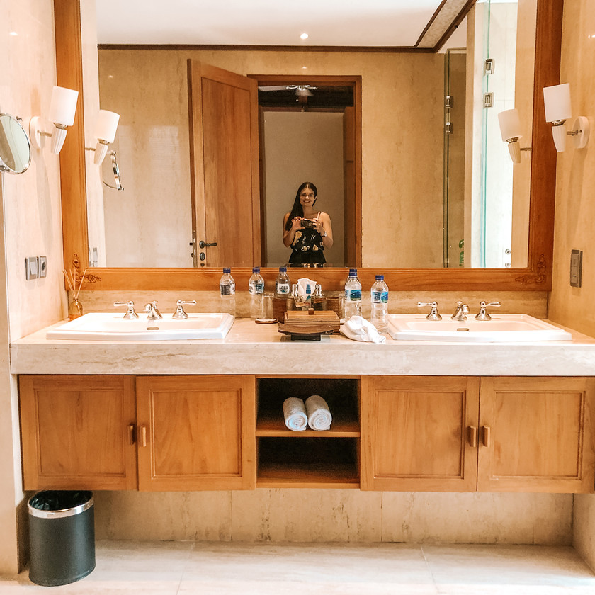 Koenokeoni Villa Seminyak Bali villa bathroom