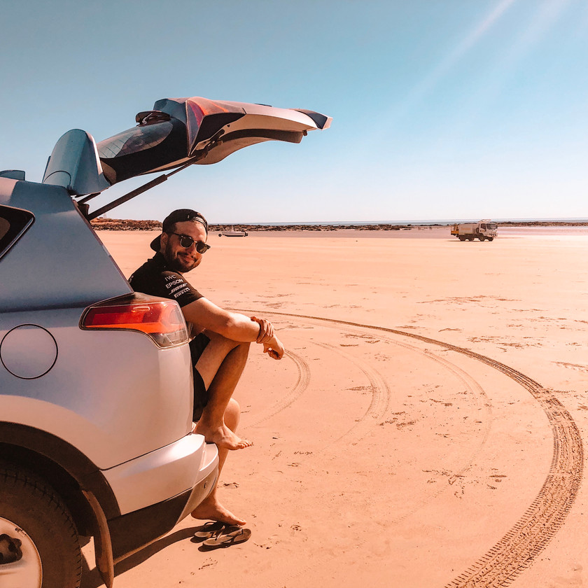 4-wheel driving Cable Beach Broome