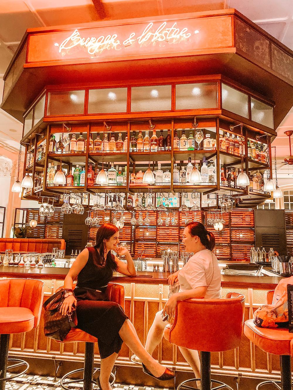 Burger & Lobster bar and restaurant: Raffles hotel singapore