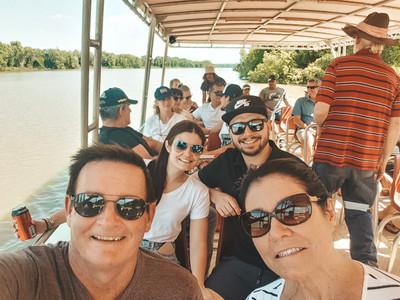 Jumping crocodile cruises Darwin adelaide river