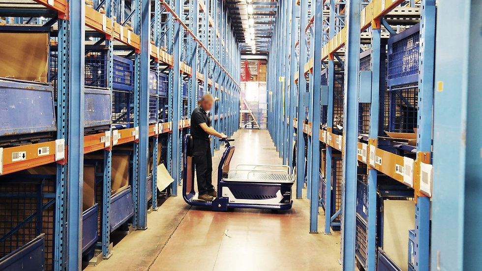Zallys K5 easy to use and extremely maneuverable in a logistic warehouse