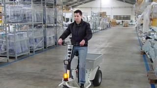 Zallys JACK rebocador elétrico com operador