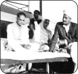 Smt. & Dr. Jaiprakash Narain with Seth Sohanlal Dugar