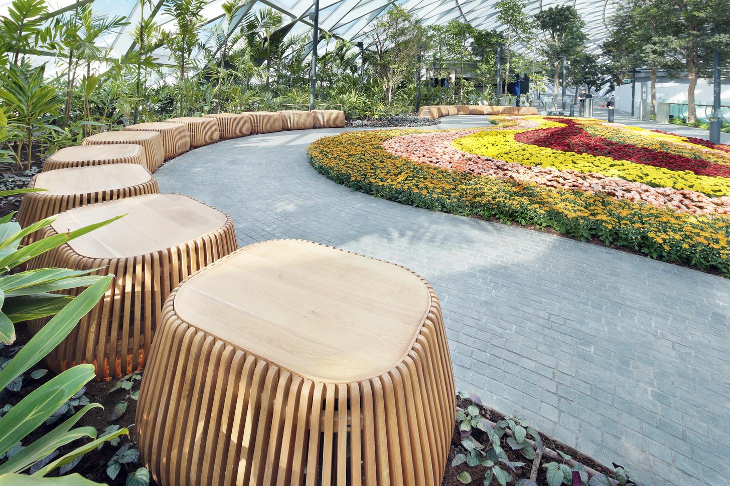Jewel Seat - Jewel Changi Airport