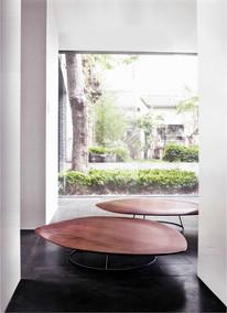 Pebble Table