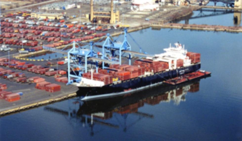 Porto de El-Dekheila.jpg