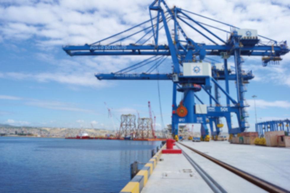 22安哥拉洛比托港集装箱码头项目.jpg