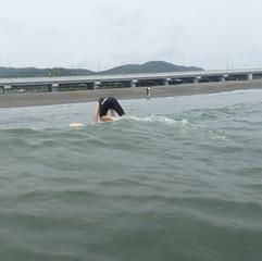 9-4 海に入って実際にテイクオフ~1本目からテイクオフ成功。