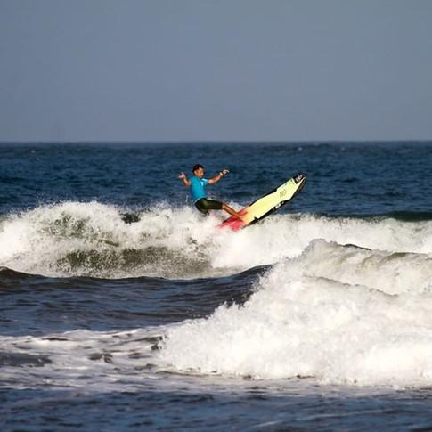 第55回全日本サーフィン選手権大会 LB MEN 準優勝  中山 智資2.jpg