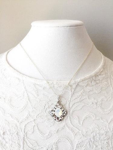 ALLY: Vintage Opal Rhinestone Pendant Necklace