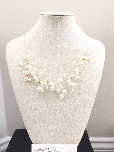 AIRES: Pearl Beaded Collar Necklace