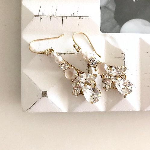SIENNA: Cream Blush Pearl Earrings