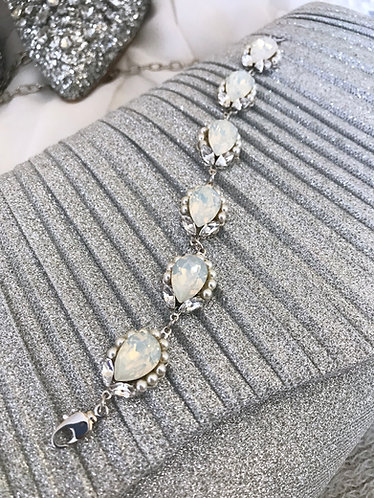 DARCY: Pear Drop & Pearl Accented Bracelet