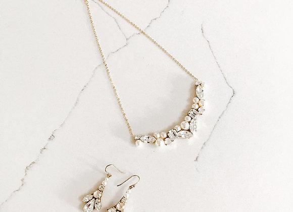 SUE: Swarovski Elements Necklace