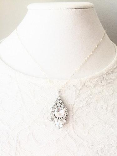 CERA: Swarovski Rhinestone Luxury Wedding Pendant